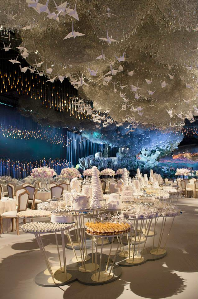 14155267431187 desktop 1412266885 Over The Top Wedding Reception Recreates the Heavens