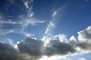 How much does a cloud weigh 303x202 How much does a cloud weigh?